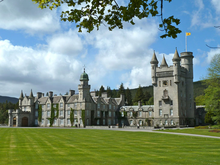 Balmoral Castle Royal Schottland - Top 10 Sehenswürdigkeiten Schottlands