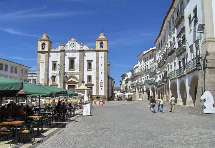evora-alentejo-portugal - Top 10 Sehenswürdigkeiten Portugals