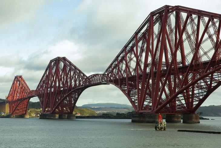 Forth Bridge - Schottland - op 10 Sehenswürdigkeiten Schottlands