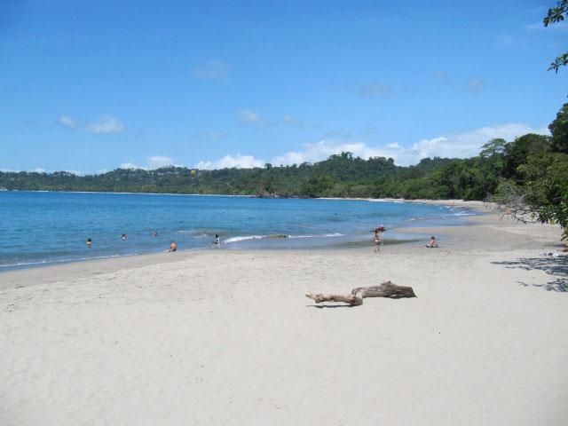 Bilderbuch Strand - Playa Espadilla, Nationalpark Manuel Antonio - Urlaub Costa Rica