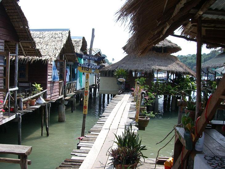 Koh Chang Bang Bao Stelzendorf - Inselhopping Thailand